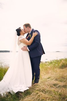 Se bildene fra Kamilla og Stefan sitt fantastiske bryllup! Studio Hodne - Bryllupsfotograf i Viken.  #bryllup #bryllupsfotograf #bryllupsfotografering Down Hairstyles, Wedding Hairstyles, Love Photography, Wedding Photography, Summer Wedding, Wedding Day, Kirkenes, Beautiful Love, Wedding Portraits