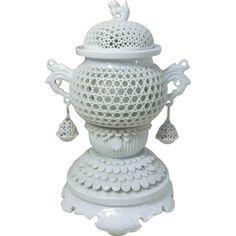 Japanese Vintage Hirado Porcelain Censer/ Koro by the Famous 14th Moeman Nakazato  Rare 20th Century Piece