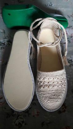 23 Espadrilles To Wear Asap – Shoes Crowd Crochet Sandals, Crochet Boots, Crochet Slippers, Crochet Clothes, Crochet Shoes Pattern, Shoe Pattern, Espadrilles, Baby Boy Shoes, Crazy Shoes