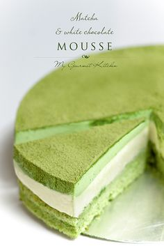 Matcha and White Chocolate Mousse Cake Green Tea Dessert, Matcha Dessert, Matcha Cake, Matcha Mousse Cake Recipe, Green Tea Mousse Recipe, Green Tea Sponge Cake Recipe, Green Tea Tiramisu Recipe, Matcha Cupcakes, White Chocolate Mousse Cake