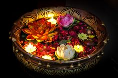 DIY Floating Candles Crafts Ideas - Grafitydekor [dot] com Happy Diwali, Diwali Diy, Diwali Rangoli, Diwali Decorations At Home, Light Decorations, Flower Decorations, Banner Design, Indian Festival Of Lights, Diwali Pictures