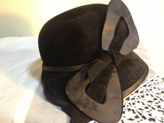 1920s Velvet and Satin Women's Hat