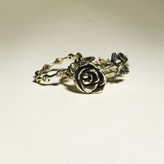 Hey, I found this really awesome Etsy listing at https://www.etsy.com/listing/510667527/handcarved-sterling-silver-vine-ring