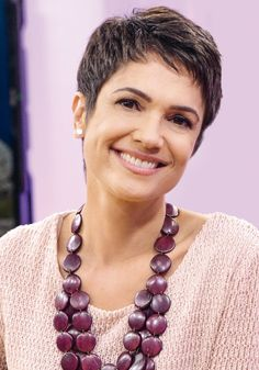 short pixie hairstyles 2019 in the world and the latest trendy short haircuts this short Pixie hairstyles 2019 catalog, we have carefully compiled, you can find every piece of short hairstyles and inspiration in the art Layered Haircuts For Women, Short Pixie Haircuts, Short Hair Cuts For Women, Pixie Hairstyles, Short Hair Styles, Super Short Hair, Short Grey Hair, Short Hair With Layers, Hair Beauty