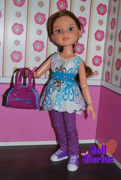 No-sew doll outfits for dolls of all sizes including BFC, American Girl, Ellowyne, Monster High and more... Thanks Doll Diaries and Froggy Stuff!