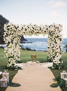 Are you having your wedding in a tropical area? You need to choose the best tropical wedding flowers for your special day. Wedding Ceremony Ideas, Beach Ceremony, Unique Wedding Venues, Wedding Locations, Wedding Themes, Wedding Decorations, Wedding Chuppah, Elegant Wedding, Wedding Photos
