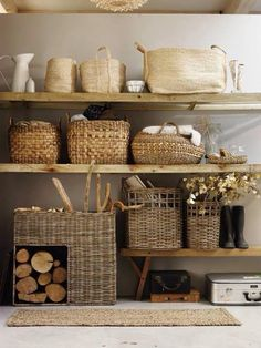 Basket storage shelves- uncredited, via rough luxe perspective Deco Champetre, Bookcase Styling, Ideas Para Organizar, The White Company, Storage Baskets, Wood Storage, Storage Ideas, Basket Shelves, Wood Shelves