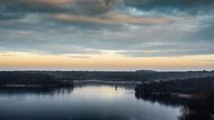 Petit hors série de lannée dernière #lille #lillemaville #igerslille #igersfrance #landscape #landscapephotography #dusk #sunrise #nature #naturephotography #sunrise #clouds #reflections #nikonfr #igersvalenciennes #hautsdefrance #hautsdefrance_inlive #hautsdefrancetourisme #pond #forest #trees #sky
