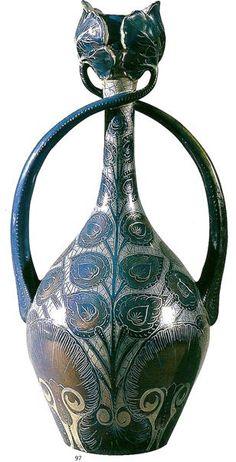 Liberty in Italia - Arti Applicate - vaso ansato manifattura Cantagalli