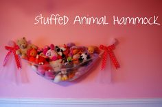Stuff animal hammock....my boys don't have a bunch of stuff animals but what a great idea!