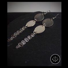 •Chain up some metallic jewels and you have the perfect earrings• #brenjewelry #bren #jewelry #earrings #metallic #woman #womanfashion #instafashion #fashion #style #handmade #greekhandmade #greekjewelry #jewellery #braceletringearringnecklace Greek Jewelry, Ring Bracelet, Metallic, Jewels, Jewellery, Chain, Woman, Womens Fashion, Earrings
