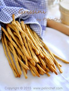 Whole Wheat Flour Poppy Grissini - Tam Buğday Unlu Haşhaşlı Grissini – PelinChef If you want to have a healthy snack at home, I have a good recipe today. Especially the upcoming summer … - Creamy Mushroom Pasta, Vegetarian Recipes, Healthy Recipes, Diet Recipes, Dessert Recipes, Good Food, Yummy Food, Dukan Diet, Whole Wheat Flour