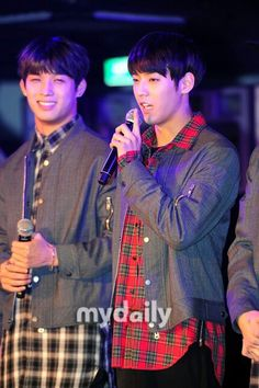 Hyunsik and Minhyuk Hyunsik Btob, Btob Lee Minhyuk, Born To Beat, Hyung Sik, Kpop, Music, Fictional Characters, Musica, Musik