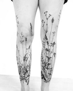 Grass tattoo sleeves on both legs for women (from the front) – The post Grass tattoo sleeves on both legs for women (from the front appeared first on Garden ideas - Tattoos And Body Art Finger Tattoos, Cute Tattoos, Beautiful Tattoos, Body Art Tattoos, Tatoos, Maori Tattoos, Tattoo Bein Frau, Tattoo Arm Frau, Tattoo Legs