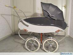 ouderwetse,brocante,Vintage,antieke kinderwagen Van Werven