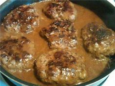 THE VERY BEST SALISBURY STEAK Ingredients 1 ounce) cans campbells French onion soup 1 lbs ground beef cup dry breadcrumbs 1 egg teaspoon salt teaspoon ground black pepper, to taste 1 tablespoon all-purpose flour cup ketchup 1 Beef Dishes, Food Dishes, Main Dishes, Meat Dish, Crock Pot Recipes, Cooking Recipes, Saulsberry Steak Recipes, Minute Steak Recipes, Dutch Oven Recipes