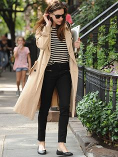 Liv Tyler - Easy Looks when you hate all you have in your closet by La Selectiva #trench and #striped #Shirt #streetstyle #livtyler