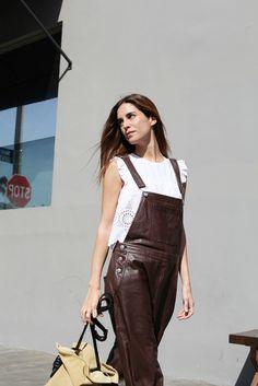 Gala Gonzalez - leather overall Fashion Books, I Love Fashion, Passion For Fashion, Classic Fashion, Gala Gonzalez, Zara, Minimalist Fashion, Minimalist Style, Leather Fashion