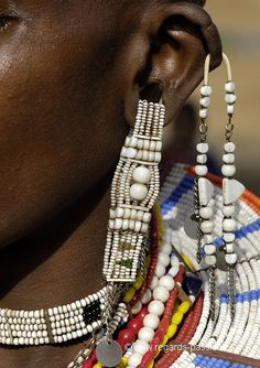 Earrings maasai woman Tanzania.  Benoit FERON