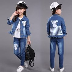 46.78$  Watch now - http://alilba.worldwells.pw/go.php?t=32507498121 - 2016 princess denim clothes set with jackets and trousers autumn style toddler girls jeans suit outdoor clothing sets 46.78$
