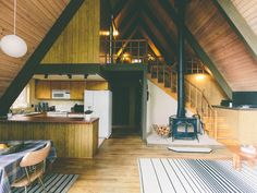 Skiing/Hiking/Fishing year round fun-family… – VRBO – Kate Gogilashvili – Join the world of pin Tiny House Cabin, Tiny House Design, Cabin Homes, Cozy Homes, A Frame House Plans, Cabin Interiors, House Goals, House In The Woods, My Dream Home