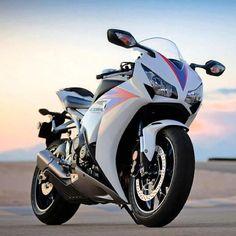 Honda CBR. #HondaBikes #neverland-motor #motorcycle #honda #CBR