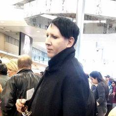 Marilyn Manson Brian Warner lax pap pic icemftmm.tumblr.com
