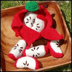 Mesmerizing Crochet an Amigurumi Rabbit Ideas. Lovely Crochet an Amigurumi Rabbit Ideas. Crochet Fruit, Crochet Food, Cute Crochet, Crochet Crafts, Yarn Crafts, Crochet Projects, Crochet Apple, Crochet Patterns Amigurumi, Amigurumi Doll