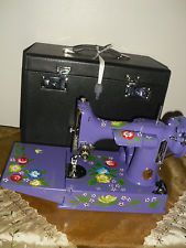 Vintage singer featherweight 221 sewing machine purple color Nice W / Case!!
