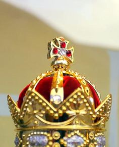 How to Make a Fancy King Crown