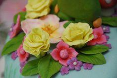 Fondant garden party cake flowers