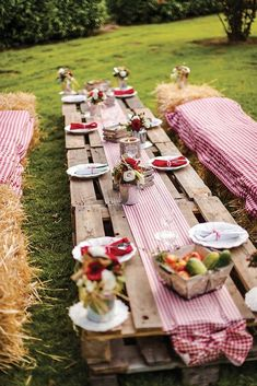 To help you decide the themes and what typical decorations you are going to execute, we present these masterly retirement party ideas. Military Retirement Parties, Teacher Retirement Parties, Retirement Party Decorations, Hippie Party, Soirée Bbq, Barbecue Garden, Deco Champetre, Festa Party, Bbq Party