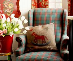 White tulips by my lounge/tv chair. Tartan, Plaid, Country Sofas, Country Living, White Tulips, Down South, Country Charm, Love Seat, Crafty