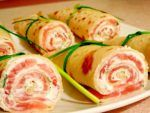 Clatite cu somon si branza Fresh Rolls, Waffles, Pancakes, Zucchini, Sushi, Food And Drink, Healthy Recipes, Healthy Food, Vegetables