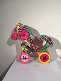 Mix media - Cavallo tatà Arlecchino - L. 17 x h. 16,5 cm.