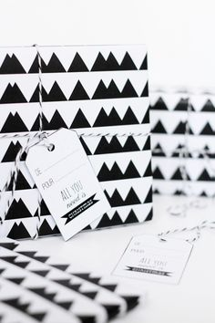 Free Download, Graphic Wrapping Paper // Hëllø Blogzine www.hello-hello.fr