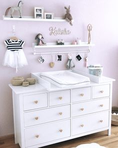 Wickelaufsatz Basic in weiß für IKEA Hemnes/Songesand Kommode - Baby Dresser, Nursery Dresser, Nursery Room, Girl Nursery, Girl Room, Baby Bedroom, Baby Room Decor, Ikea Baby Room, Ikea Baby Nursery