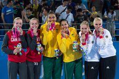 A primeira medalha de ouro do vôlei de praia na história dos Jogos Olímpicos da Juventude é brasileira. Duda e Ana Patrícia venceram as gêmeas canadenses Megan e Nicole McNamara por 2 sets a 1 (17/21, 21/13, 16/14) e conquistaram o título em Nanquim, na China. Foi a primeira edição do torneio com a presença do vôlei de praia. Mais um título para a sergipana Duda, bicampeã mundial Sub-19, e a primeira conquista internacional da mineira Ana Patrícia.