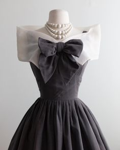 Victoria Series, 1960 Dress, Vintage Dresses, Shawl, Style Me, Bows, Formal Dresses, Sweaters, Cotton
