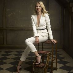 Mark Seliger's Vanity Fair Oscar Party Portraits 2016 ~ Naomi Watts Business Portrait, Corporate Portrait, Foto Fashion, Fashion Mode, Party Fashion, Portrait Poses, Studio Portraits, Female Portrait, Portrait Lighting
