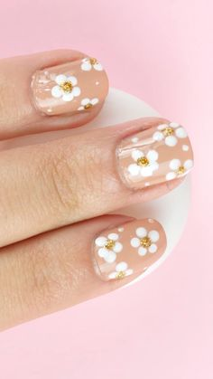 Pin on Belleza Pin on Belleza Pink Nail Art, White Nail Art, Pink Nails, Daisy Nail Art, Dot Nail Art, Polka Dot Nails, Nail Art Diy, White Nails, Nail Art Designs Videos