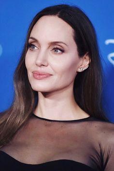 Angelina Jolie Now, Photo Lock, Iconic Women, Celebs, Celebrities, Brad Pitt, Most Beautiful Women, Celebrity Photos, Make Up