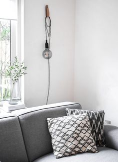 When looking for a lamp for your house, the options are nearly endless. Get the most suitable living room lamp, bed room lamp, table lamp or any other type for your selected area. Cheap Home Decor, Diy Home Decor, Room Decor, Best Desk Lamp, Lampe Decoration, Bright Homes, Diy Hanging, Hanging Lamps, Bedroom Lamps