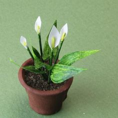 Make Calla Lilies in Dollhouse Miniature and Model Scales