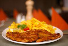 Wiener Kalbsschnitzel Wiener Schnitzel, Munich, Great Recipes, French Toast, Germany, Breakfast, Food, Fine Dining, Opera