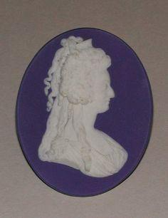 Portrait Medallion of Queen Marie-Antoinette | Josiah Wedgwood | circa 1785 | Fitzwilliam Museum, University of Cambridge | Object #: MAR.C.21-1912