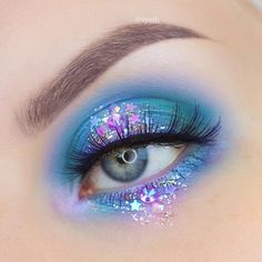 A Collection of 40 Best Glitter Makeup Tutorials and Ideas for 2019 A Collection of 40 Best Glitter Makeup Tutorials and Ideas for 2018 & Das schönste Make-up Eye Makeup Designs, Eye Makeup Art, Cute Makeup, Pretty Makeup, Eyeshadow Makeup, Makeup Inspo, Makeup Inspiration, Crazy Makeup, Makeup Geek