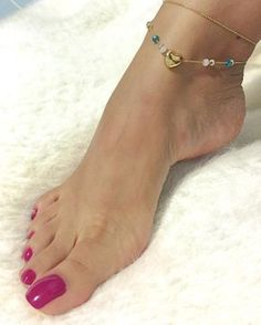 New color! ❣ . . . . . . . . . #piesfemeninos#pies#pieslindos#feet#feetporn#feetfetish#feetstagram#feetlovers#feetmodel#feetfetishnation#foot#footfetish#footmodel#footporn#footfetishgroup#footfetishcommunity#footlovers#latinatoes#latinafeet#pés#pezhinos