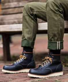 Men's Classic Moc Boot in Navy Leather 8859 Red Wing Heritage Boots, Red Wing Boots, Moc Toe Boots Men, Shoe Boots, Man Boots, Leather Men, Leather Shoes, Black Leather, Red Wing Moc Toe