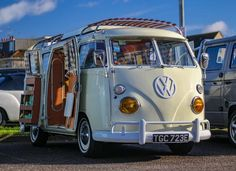 VW♥ Vw T2 Camper, Volkswagen Bus, Vw T1, Road Trip Uk, Plates For Sale, Combi Vw, Camping Items, Busse, Vw Cars